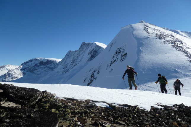 Ski Tour Rogers Pass, Guided trips